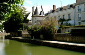 280px-Montargis,_France